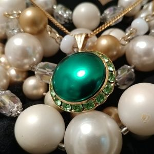 Jewelry - Emerald Green Pearl & Peridot Crystal VTG Necklace